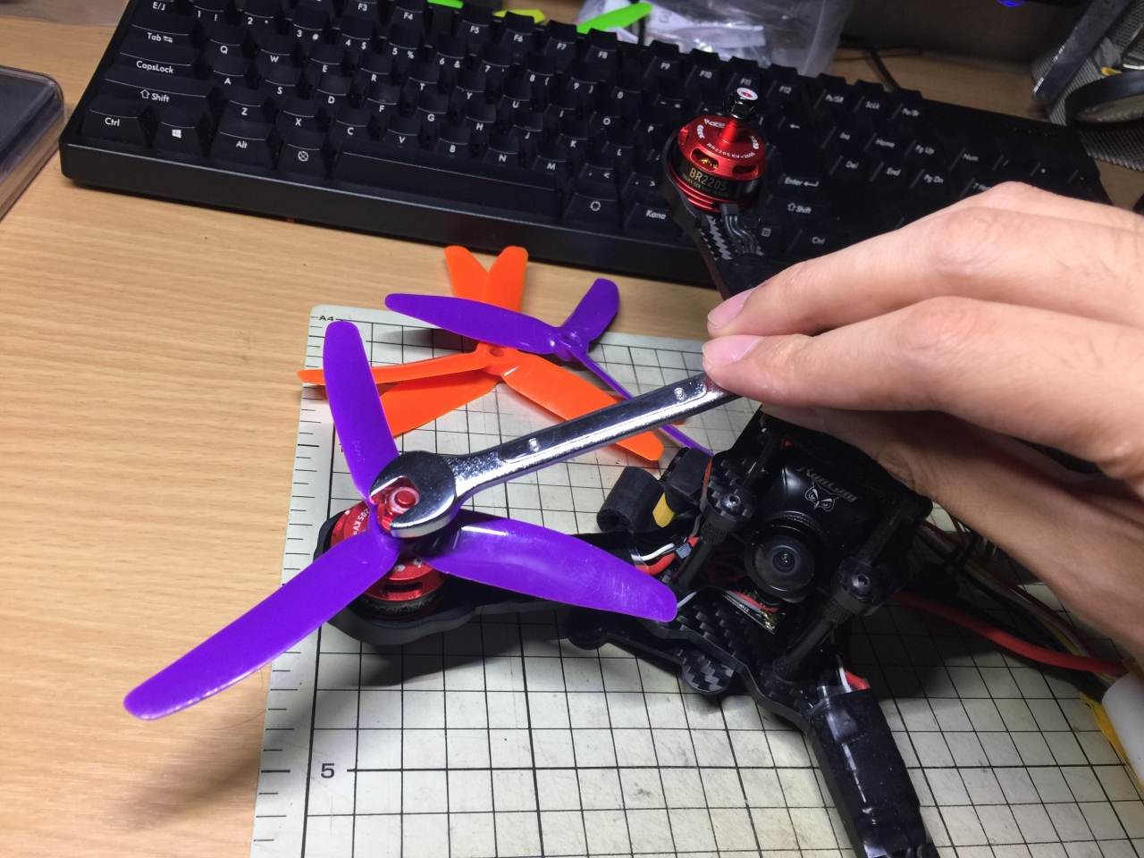 how to connect esc to blheli suite through fc